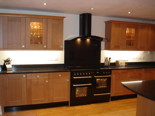 Top Modern Kitchen with Oak Cabinets 600 x 450 · 38 kB · jpeg